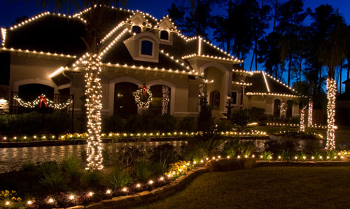 christmas-house-decoration-by-the-perfect-light-3